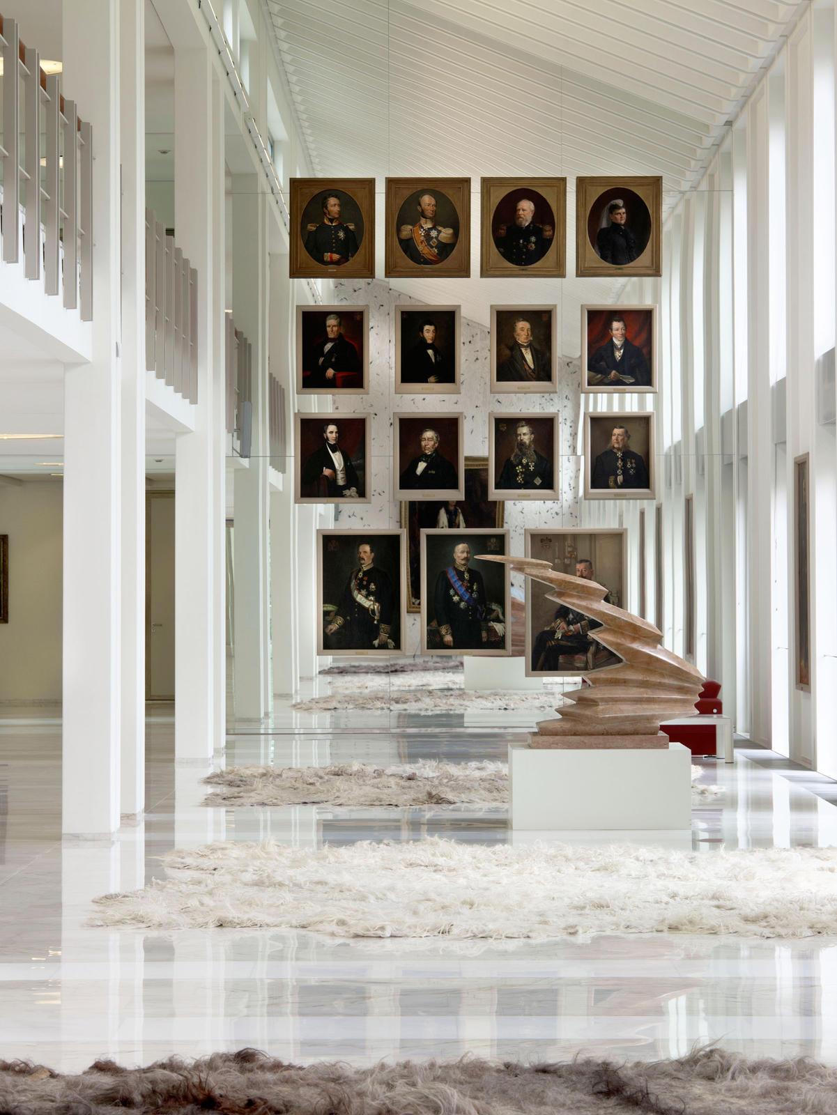 maurice mentjens / interior design / spiegelwand gouverneurs
